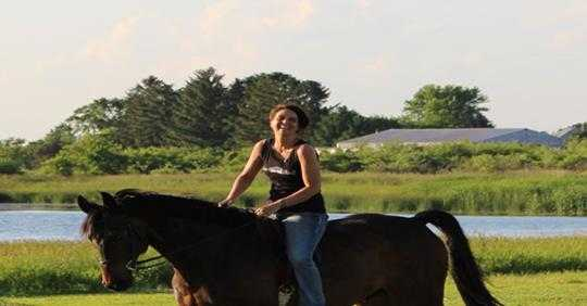 Studies Show That Women Who Own Horses Live 15 Years Longer Than Those Who Don't